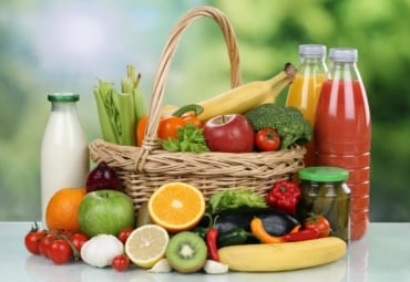 Foods that contain low purine include fruits, vegetables, low-fat dairy, and juices.