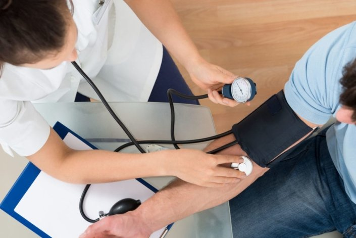 what can cause uncontrolled high blood pressure